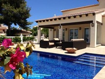 Villas With Pools
